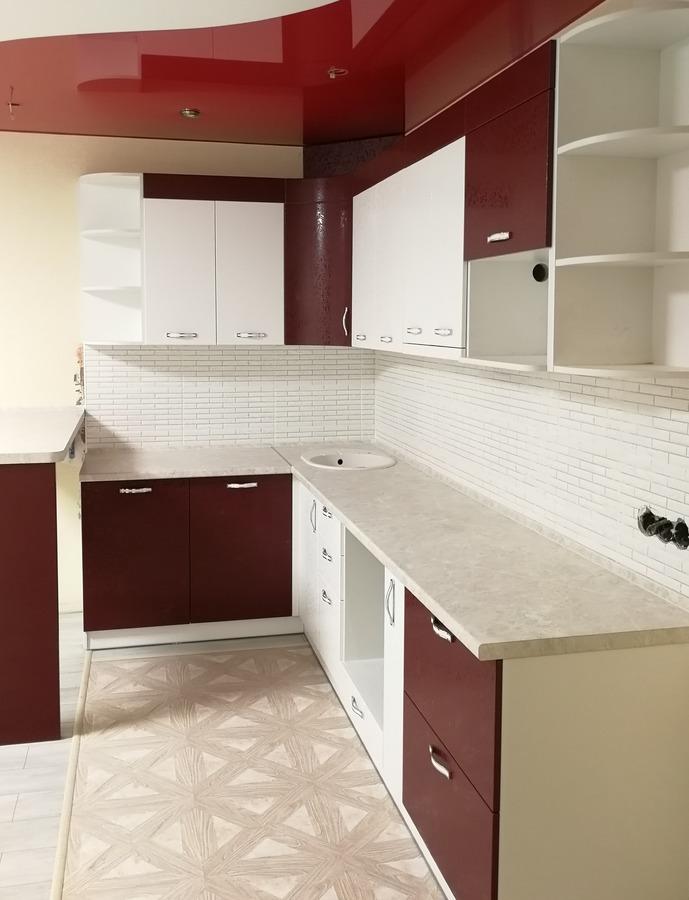 Белый кухонный гарнитур-Кухня МДФ в ПВХ «Модель 52»-фото3