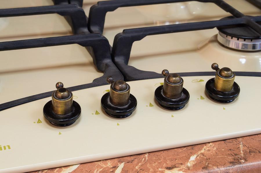 Белый кухонный гарнитур-Кухня из массива «Модель 57»-фото6