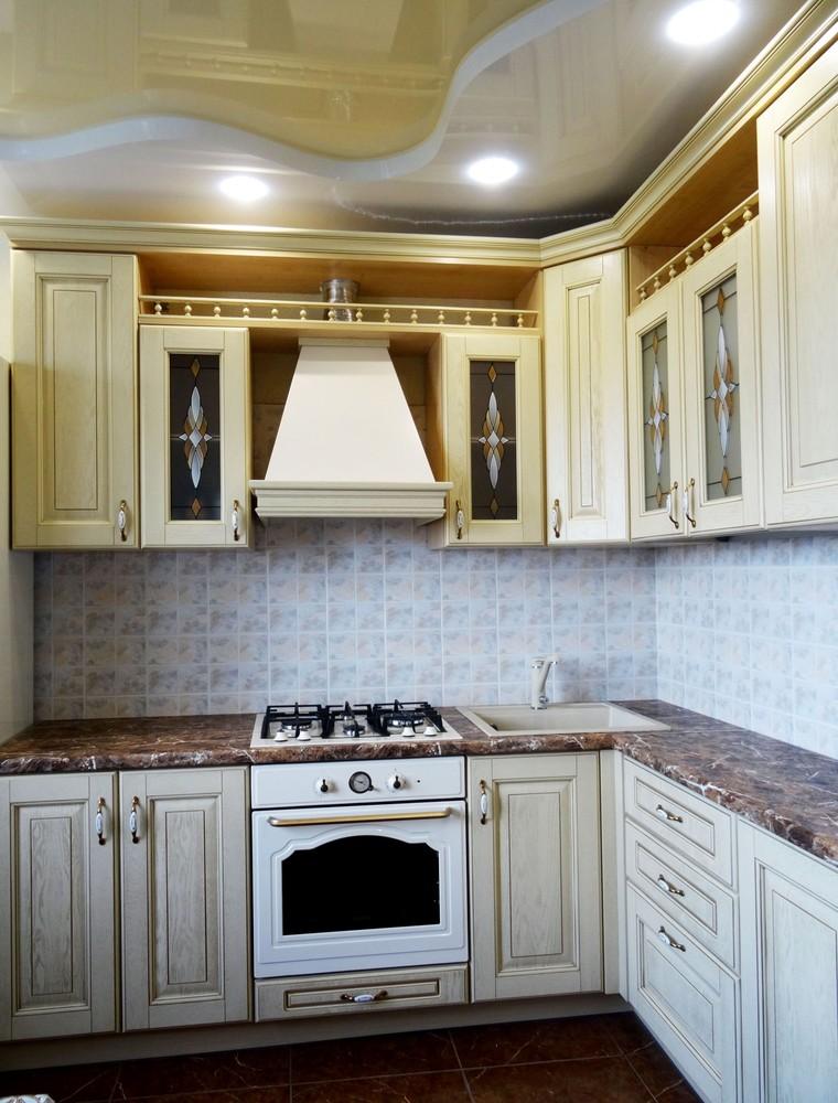 Белый кухонный гарнитур-Кухня из массива «Модель 21»-фото1