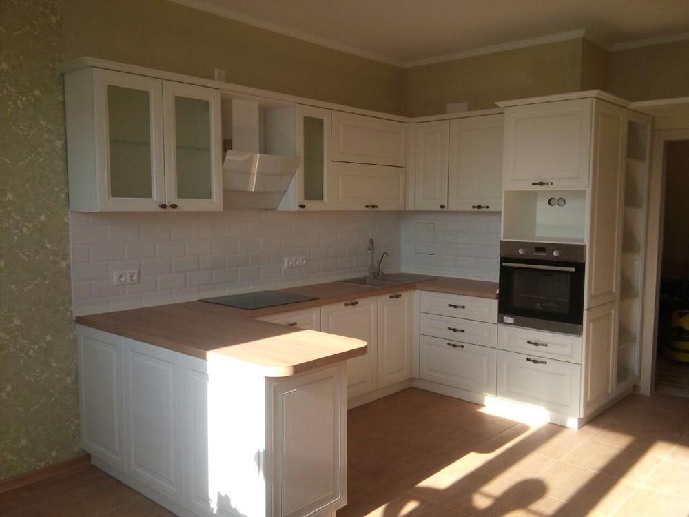 Белый кухонный гарнитур-Кухня МДФ в ПВХ «Модель 226»-фото1