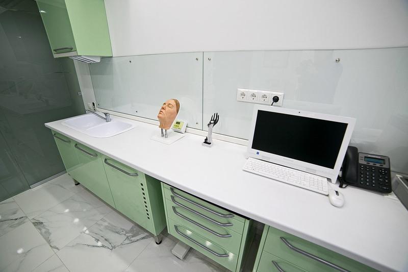 Торговая мебель-Мебель для салона «Модель 153»-фото1