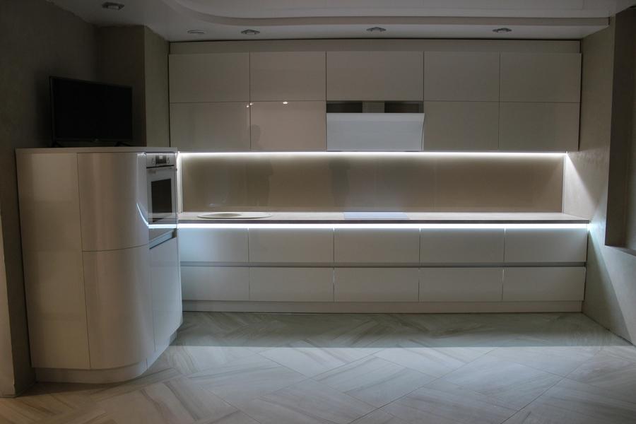 Белый кухонный гарнитур-Кухня МДФ в эмали «Модель 439»-фото2