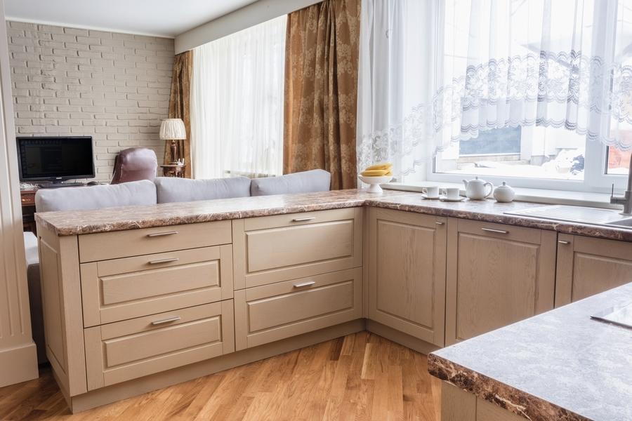Бежевые кухни-Кухня из массива дуба «Модель 403»-фото2
