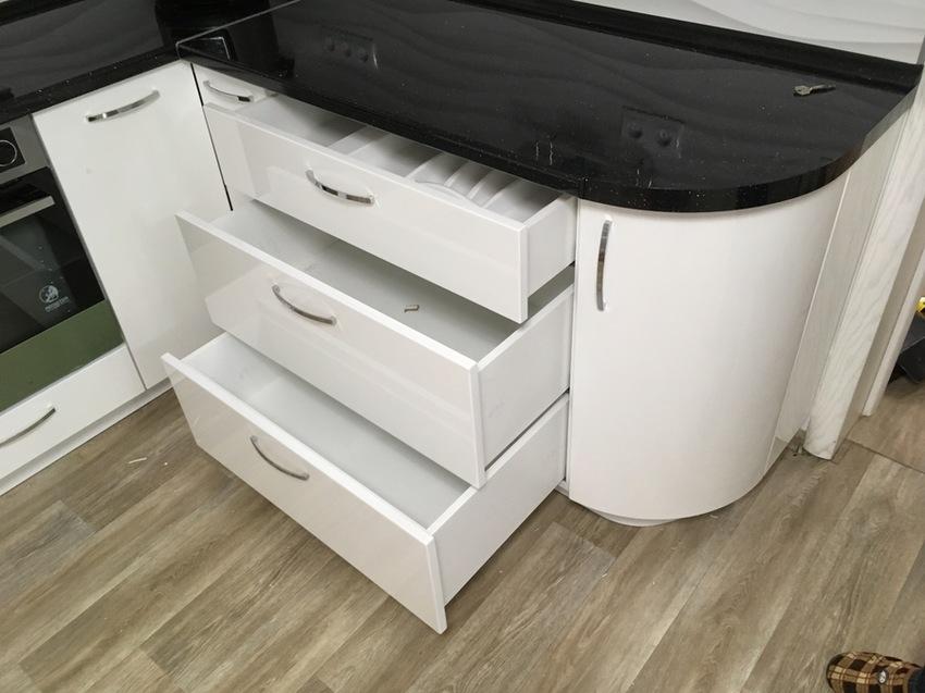 Белый кухонный гарнитур-Кухня МДФ в эмали «Модель 472»-фото10