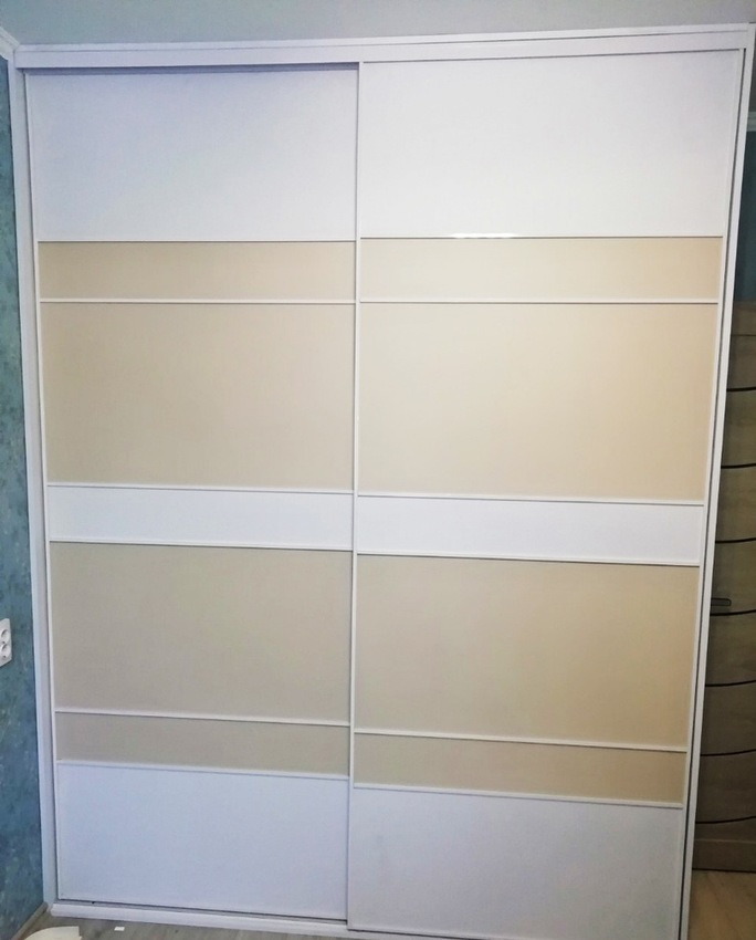 Белые шкафы-купе-Шкаф-купе из ДСП «Модель 266»-фото1