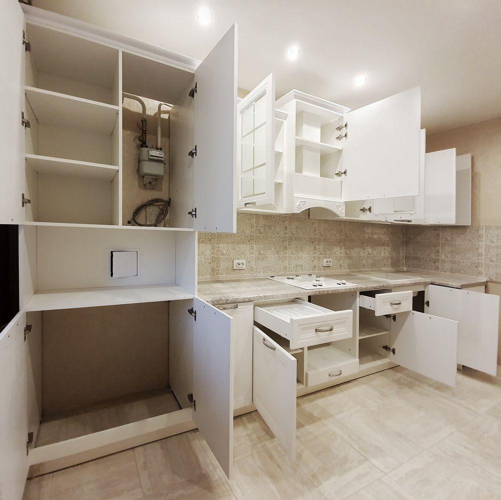 Белый кухонный гарнитур-Кухня МДФ в эмали «Модель 538»-фото4