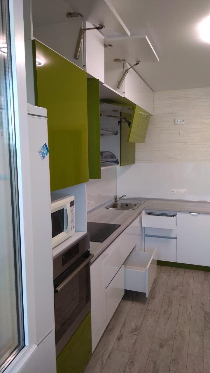 Белый кухонный гарнитур-Кухня из пластика «Модель 572»-фото14