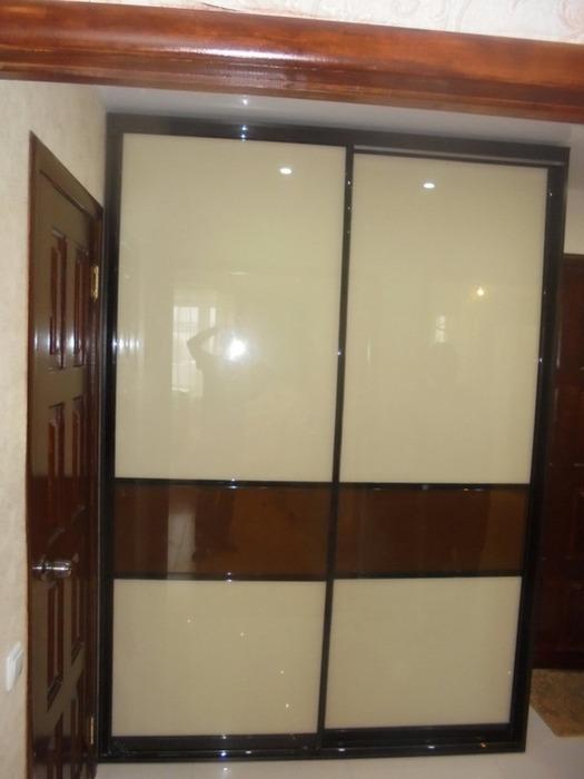 Встроенные шкафы-купе-Шкаф-купе из стекла Лакобель «Модель 60»-фото1