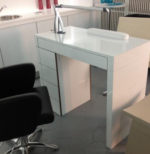 Торговая мебель-Мебель для салона «Модель 132»-фото1